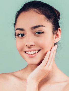 Aprenda os 5 cuidados básicos para deixar a sua pele mais bonita e saudável