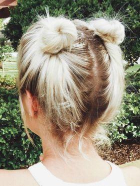 Coque duplo preso ou com cabelo solto: qual penteado você prefere?