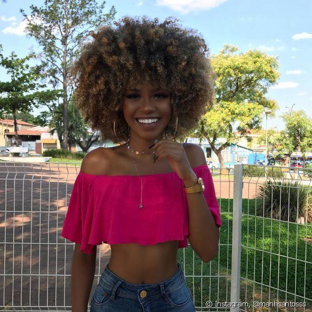 Para Marih Santos, a transição capilar influenciou totalmente sua aceitação como mulher negra