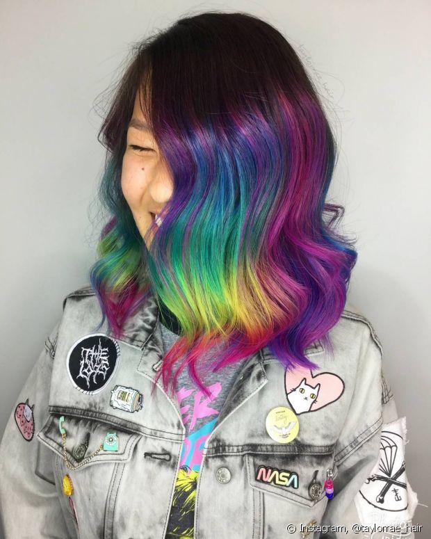 A franja arco-íris também pode ser feita em franjas longas
