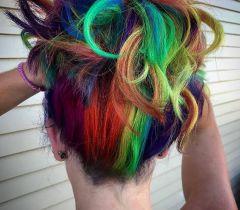 A manutenção do arco-íris é feita a cada 15 dias e os cuidados precisam ser redobrados para não deixar os cabelos com aspecto ressecado