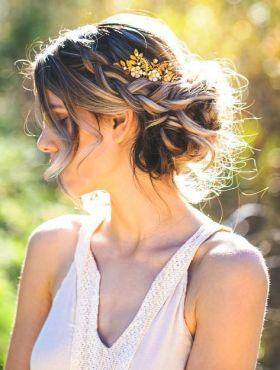 Penteados com coque para noivas: como usar o estilo no casamento + 15 fotos para se inspirar