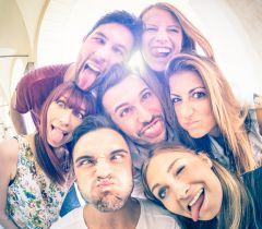 Reunir os amigos em casa é tudo de bom, mas é preciso se organizar para aproveitar bem o dia