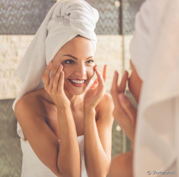 Faça a hidratação após o banho e enxague depois de 10 minutos
