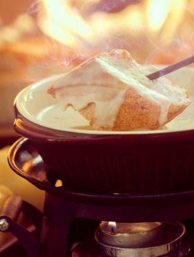 Quer ter uma noite de fondue com o namorado ou amigos? Saiba como economizar na preparação