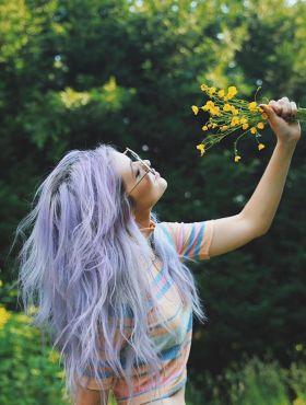 Cabelo unicórnio: conheça essa tendência bastante colorida + 15 fotos para inspirar!