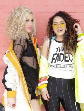 Camila Vieira e Mathira Menezes respondem perguntas de seguidoras sobre cabelo cacheado. Assista ao vídeo!