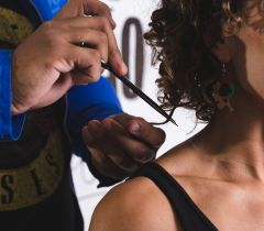 Bruno Dantte diz que o corte de cabelo vai de acordo com a momento da pessoa, se ela se sente bem ao se olhar no espelho