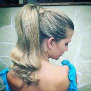 Rabo de cavalo alto: 20 fotos para se inspirar + como fazer o penteado simples e estiloso sem deixar nenhum fio arrepiado