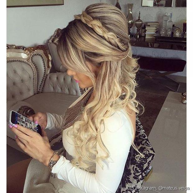 Populares 20 fotos de penteados com topete: aprenda o passo a passo de como  GU31