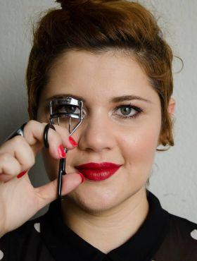 Maquiagem para cabelos ruivos: saiba em quais tons apostar para valorizar seus fios vermelhos