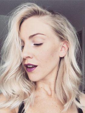 Como proteger o cabelo na descoloração? Saiba como usar a queratina líquida durante o processo