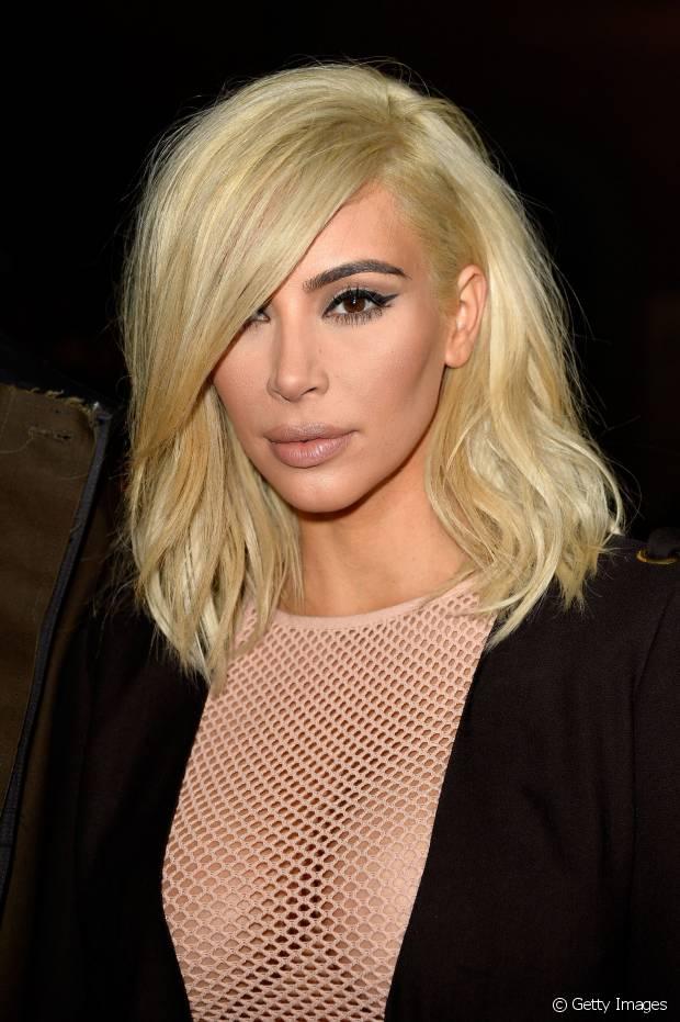 O long bob usado por Kim Kardashian caiu no gosto das mulheres de todas as idades