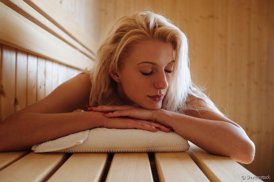 Um banho morno ou quente antes de dormir é perfeito para relaxar