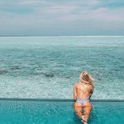 Como evitar que o cabelo loiro fique verde na piscina? Descubra!