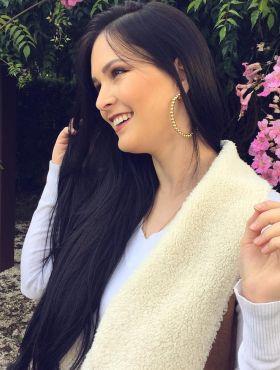 Julia Doorman, do blog Cabelos de Rainha, ensina como fazer banho de brilho com Brilho&Ton!