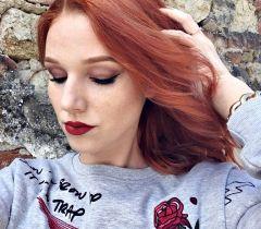Os cabelos muito escuros ou pintados não pegam o ruivo de primeira. É necessário fazer uma descoloração ou uma decapagem