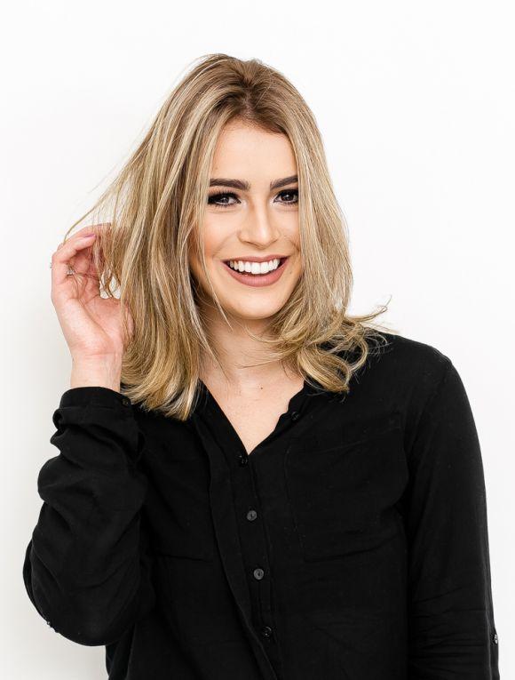 Blogueira Mariana Saad fala sobre cuidados com os cabelos loiros após transformação com Cor&Ton: 'Nutrição Poderosa'