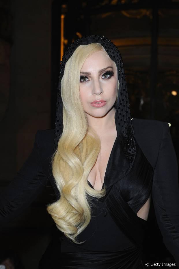 Lady Gaga também está no time das platinadas
