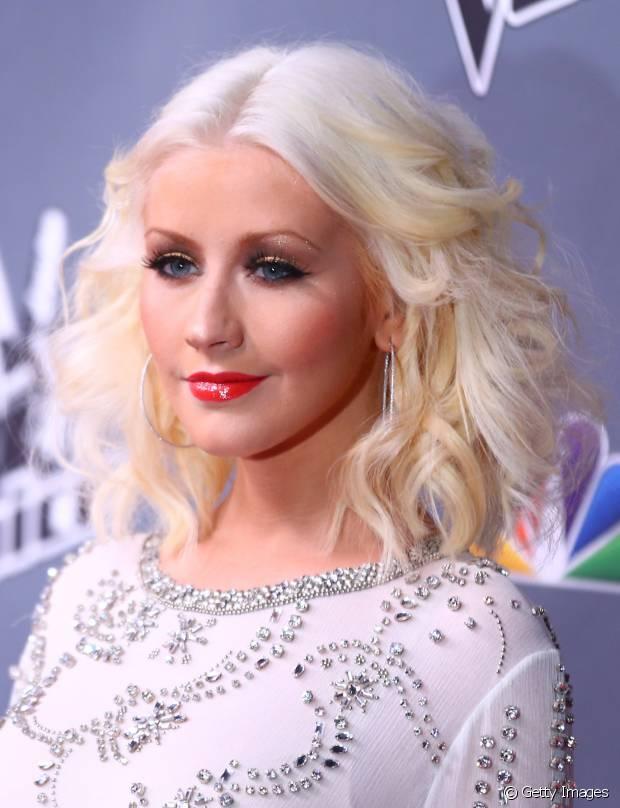 Christina Aguilera é fã dos fios platinados há muitos anos