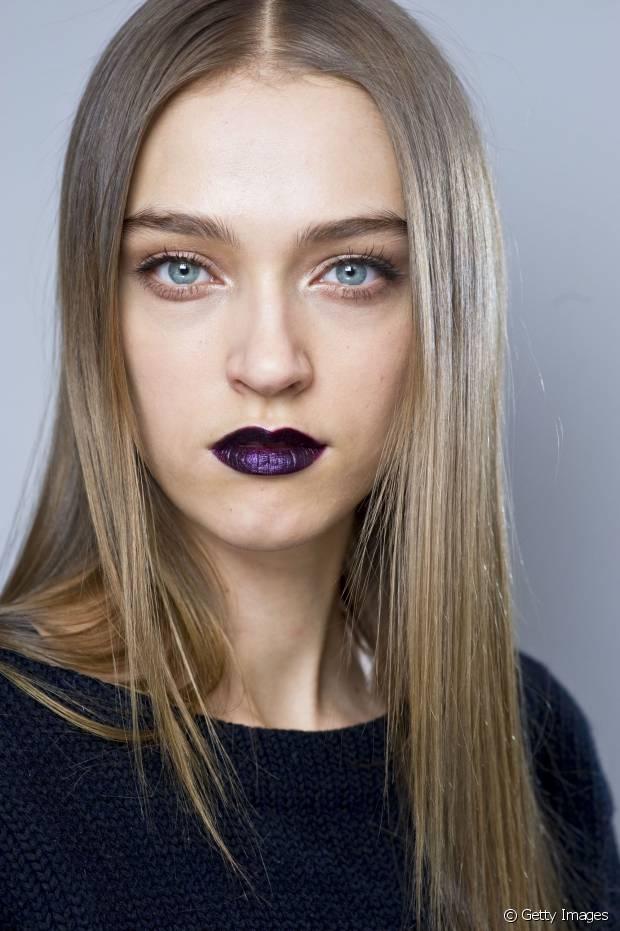 Para apostar no make up sem erro, nossa dica é ter cuidado para não pesar o visual com um tom muito fechado com uma sombra muito escura