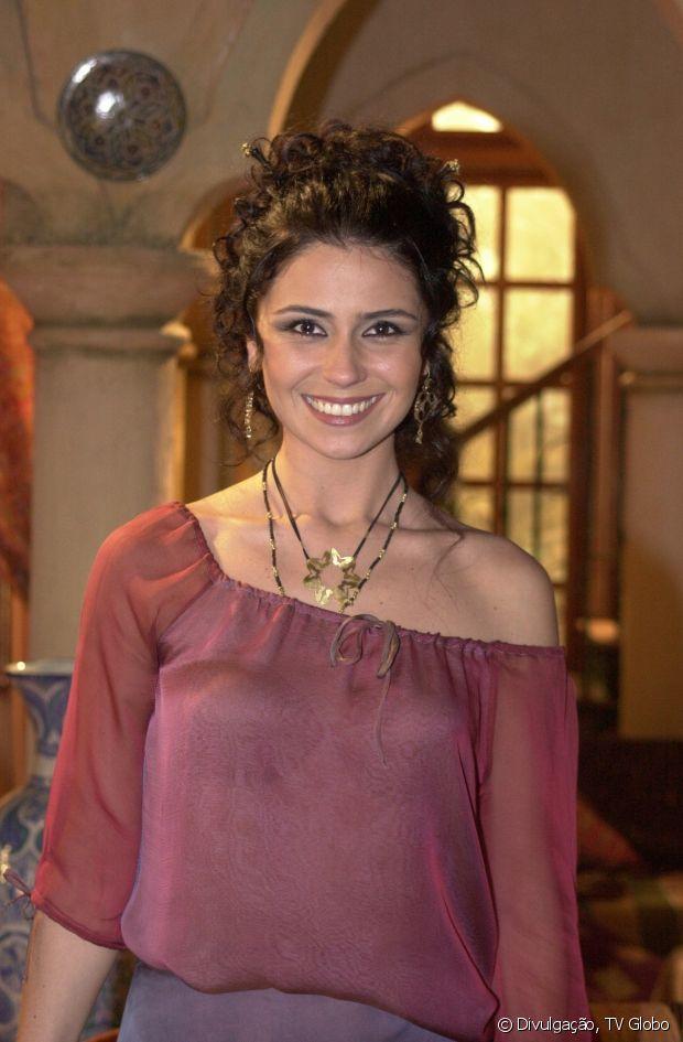 Giovanna Antonelli interpretou Jade, na novela 'O Clone', em 2001. A personagem tinha cabelos longos e um cacheado incrível