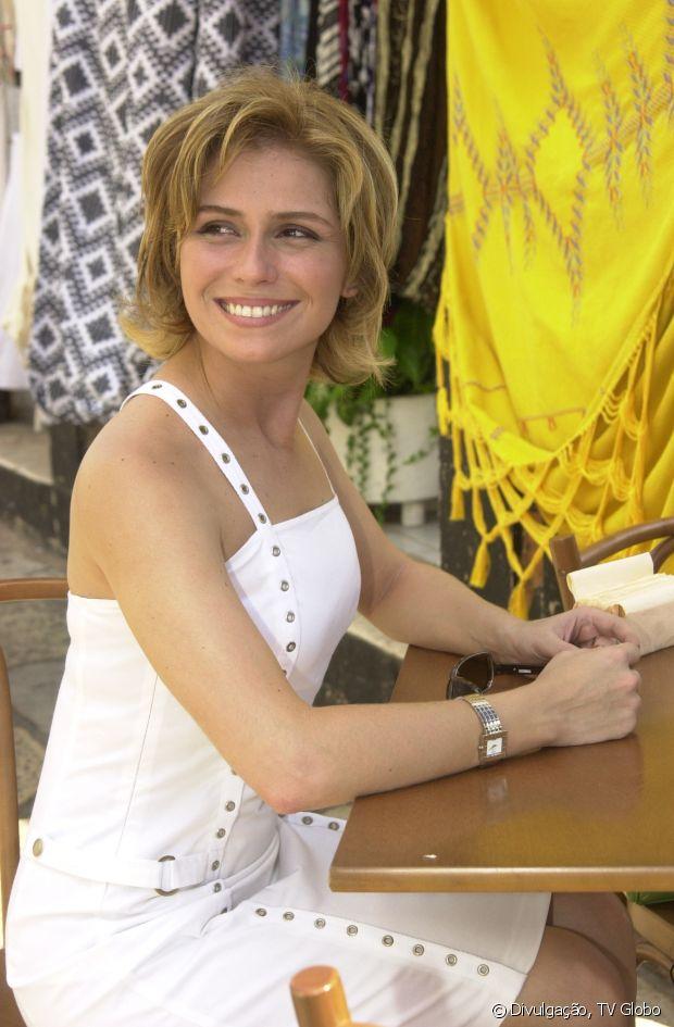 Giovanna Antonelli começou 'Da Cor do Pecado' (2003) com os cabelos na altura do queixo e depois apostou no corte Pixie