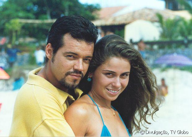 Giovanna Antonelli sempre teve preferência por cabelos longos. Em 'Corpo Dourado' (1998), a atriz estava morena