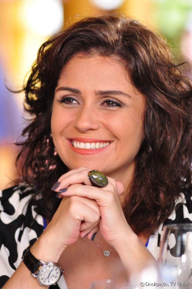 Giovanna Antonelli também participou de 'Aquele Beijo' (2001) com os cabelos curtos e cacheados