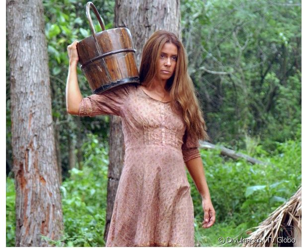 Giovanna Antonelli apareceu com cabelos longos e acobreados em 'Amazônia' (2011)