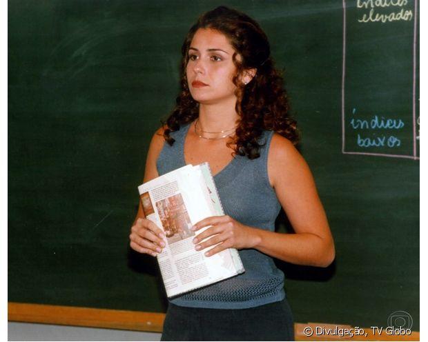 Giovanna Antonelli apareceu com os cabelos super cacheados em 'Malhação' (1999)