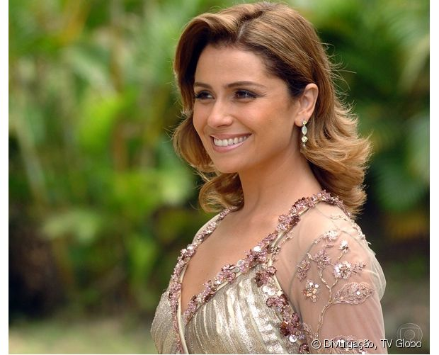 Giovanna Antonelli aparecia com uma escova modelada na novela 'Sete Pecados' (2007)