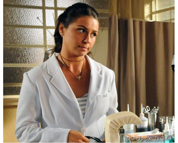 Giovanna Antonelli estava com o cabelo castanho escuro em 'Três Irmãs' (2008)