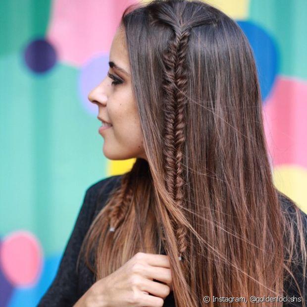 Sempre existe a opção de incrementar o penteado com tranças finas e estilosas, que podem aparecer em mechas soltas pelo cabelo