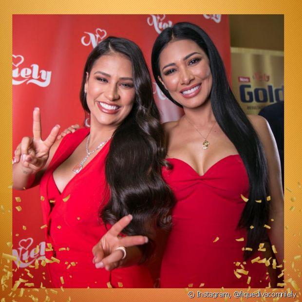 As coleguinhas Simone e Simaria estiveram no stand da Niely na Beauty Fair