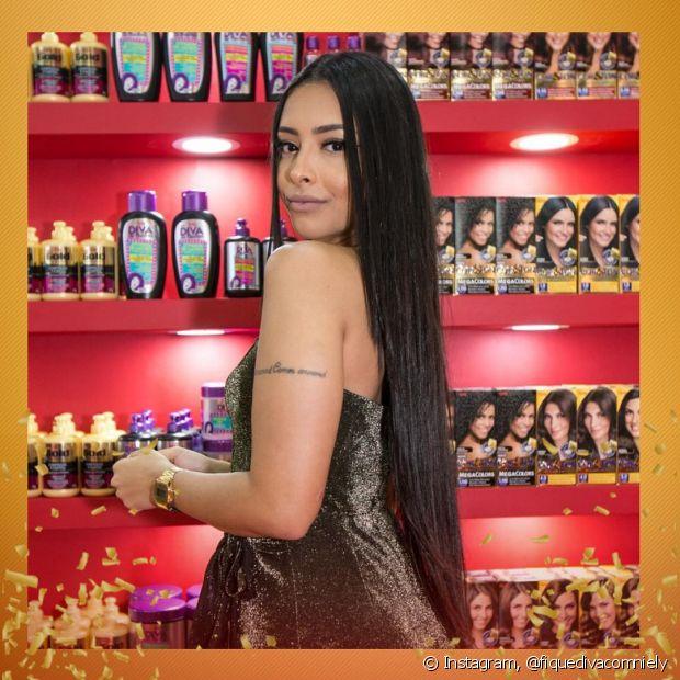 Nicole Prazeres contou todos os segredos do seu cabelão