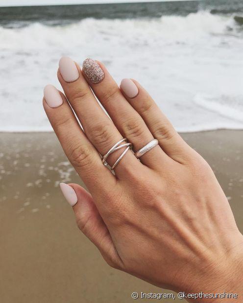 Além dos diferentes formatos, você também escolhe as extensões na largura ideal para os seus dedos (Foto: Instagram @keepthesunshine) keepthesunshine