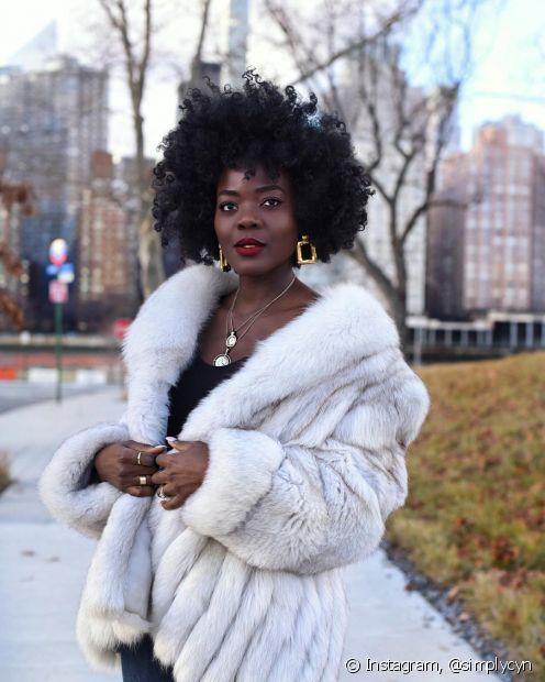 Veja o que fazer para evitar a queda de cabelos durante o inverno (Foto Instagram: @simplycyn)