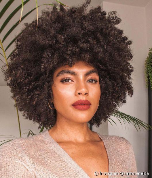 O Fique Diva separou dicas incríveis para você finalizar o seu cabelo black power com muito estilo (Foto: Instagram @samiorenelda)