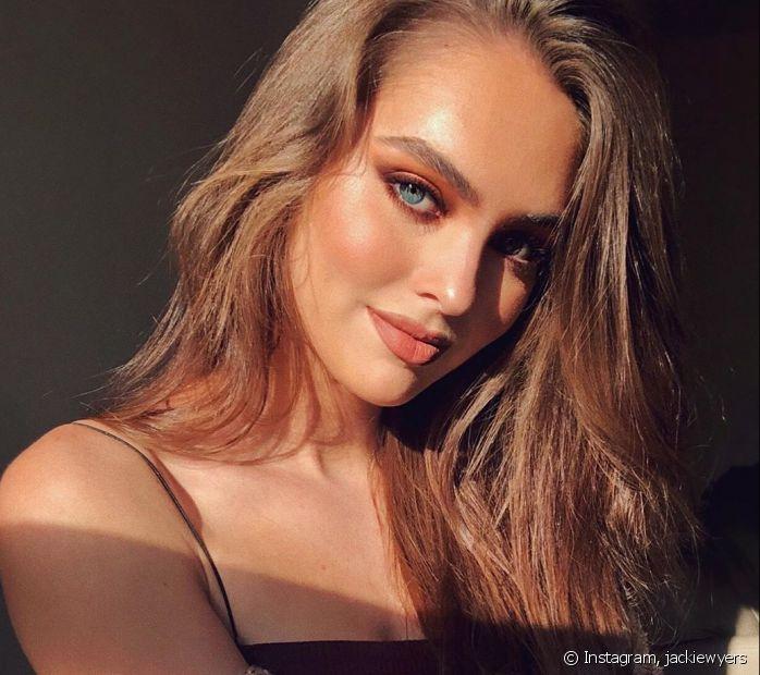 Quer uma maquiagem iluminada no verão? Confira as dicas que o Fique Diva preparou para você (Foto: Instagram, @jackiewyers)