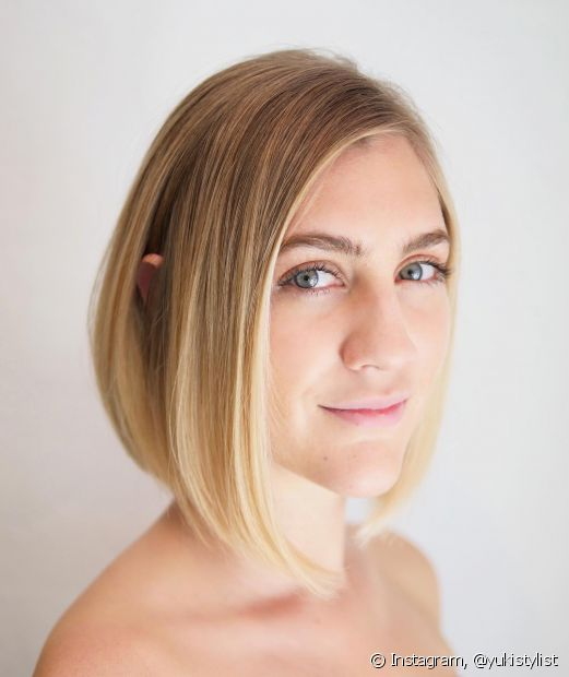O corte de cabelo chanel de bico é um dos cortes de cabelo clássicos que seguem em alta. (Foto: Instagram @yukistylist)