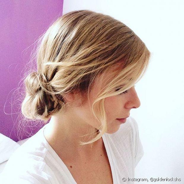 A versão baixa do penteado pode ser perfeita para noivinhas e madrinhas de casamento