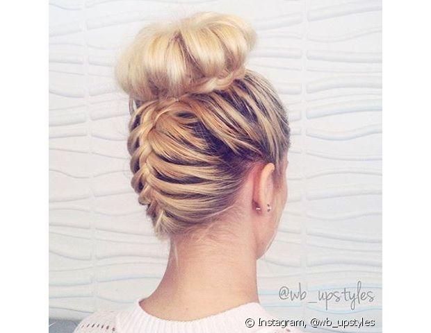 Uma trança de raiz invertida pode dar mais criatividade ao seu penteado