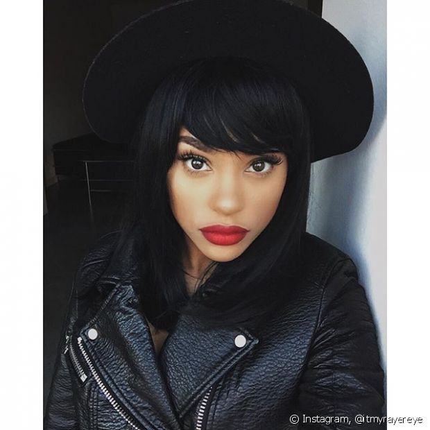 O cabelo preto destaca a beleza das negras
