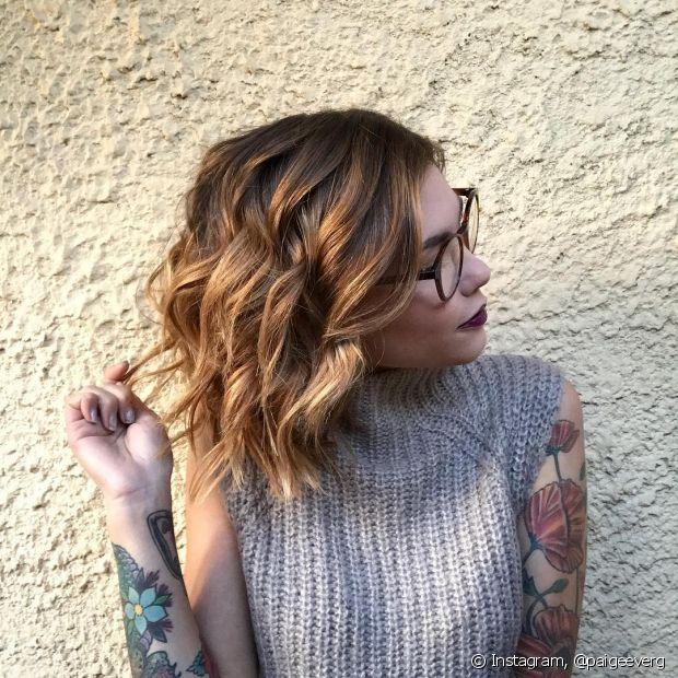 O ombré hair e o sombré são duas técnicas muito parecidas para clarear os fios e sempre causam confusão