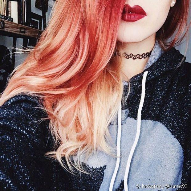 Use somente produtos para cabelos coloridos e inclua a nutrição e reconstrução na sua rotina de tratamentos