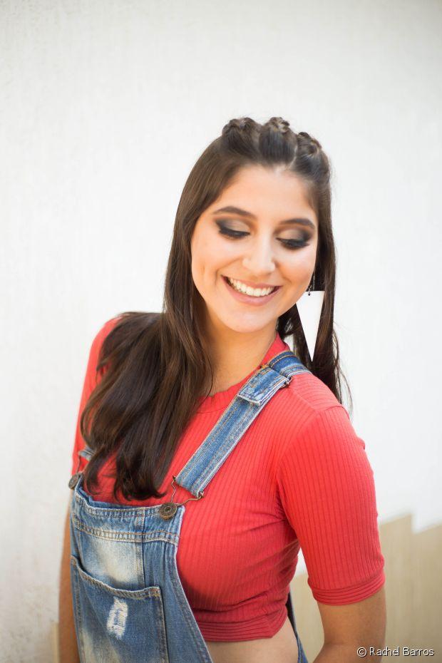 E Vanessa também entende muito de cabelo e make. Faz os próprios penteados, incluindo a trança unicórnio para essa sessão de fotos