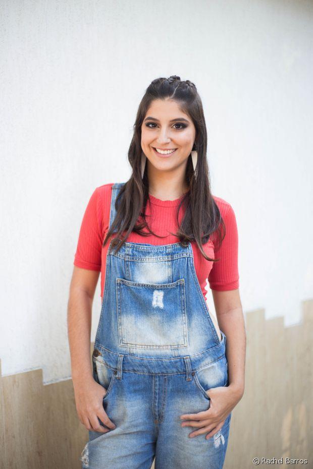 'A peça que não pode faltar no meu guarda-roupa é jeans, que eu amo. Além de ser lindo, combina com tudo', diz Vanessa