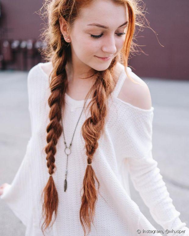 Maria-chiquinha e tranças embutidas dão um ar mais romântico ao look
