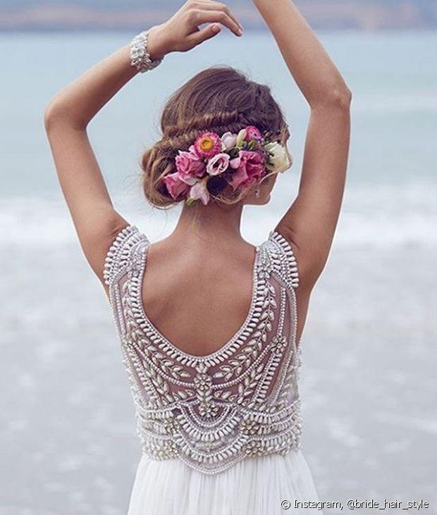 Se você está ansiosa com seu casamento e a cerimônia é durante o dia, é preciso ter ainda mais atenção aos detalhes. Para te ajudar, confira os penteados que o Fique Diva separou para você!